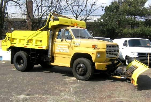 Used Ford F700 dump/plow DS 6 yard dumptruck 1990