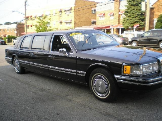 Used Lincoln Town Car Sedan 4D 1991