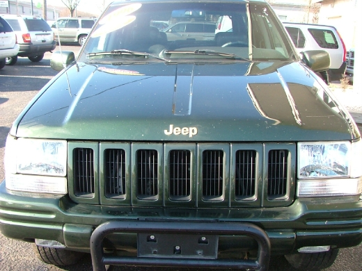 1996 Jeep Grand Cherokee 4dr Limited 4WD, available for sale in Huntington, New York | Auto Expo. Huntington, New York