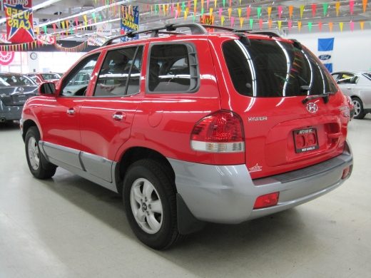 2005 Hyundai Santa Fe 4dr LX 4WD 3.5L Auto, available for sale in West Haven, CT