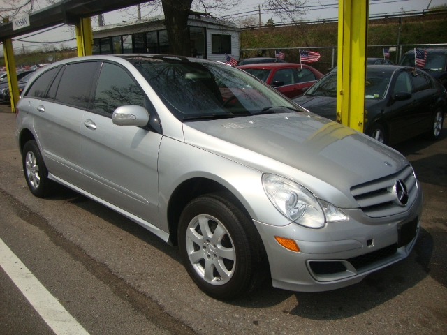 Used Mercedes-Benz R-Class 4MATIC 4dr 3.5L 2006