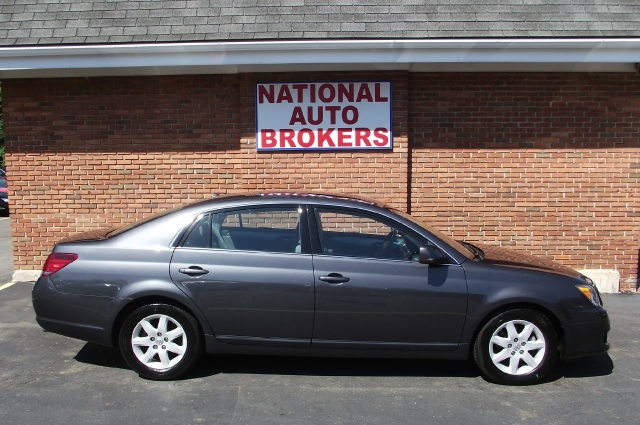 Used Toyota Avalon 4dr Sdn XLS 2009