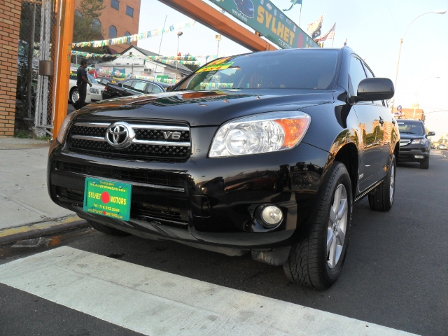 Used 2006 Toyota RAV4 in Jamaica, New York