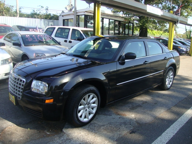Used Chrysler 300 4dr Sdn 300 LX RWD 2008