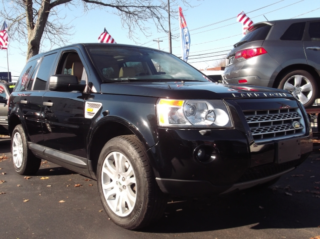 2008 Land Rover LR2 navigation/leather AWD 4dr SE, available for sale in Huntington, NY