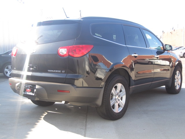 2011 Chevrolet Traverse  7 PASS AWD 4dr LT w/2LT, available for sale in Deer Park, New York | Car Tec Enterprise Leasing & Sales LLC. Deer Park New York
