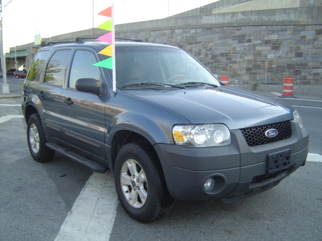 "Used Ford Escape 4dr 103"" WB 3.0L XLT 4WD 2005"