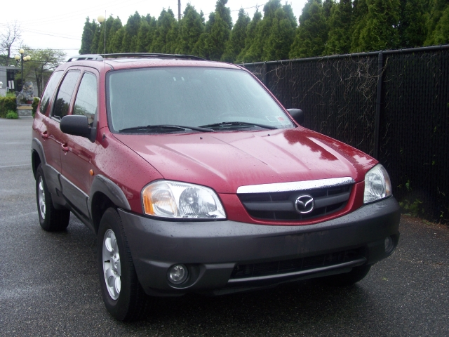 2004 Mazda Tribute 3.0L Auto ES 4WD, available for sale in Hicksville, New York | Ultimate Auto Sales. Hicksville New York