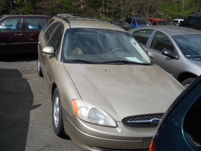 Used Ford Taurus 4dr Wgn SE 2001