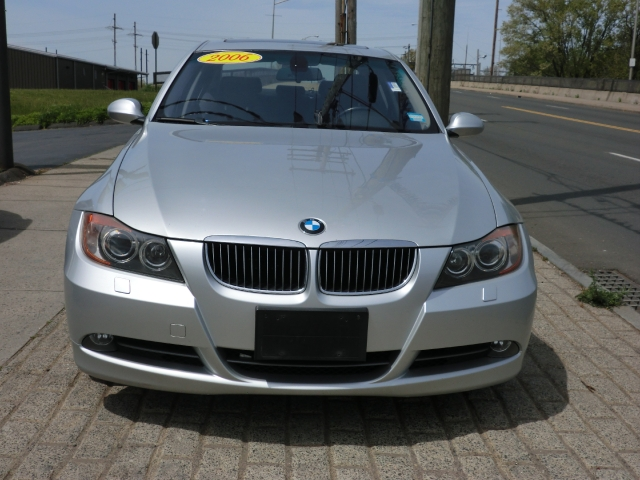 Used BMW 3 Series 330xi 4dr Sdn AWD 2006