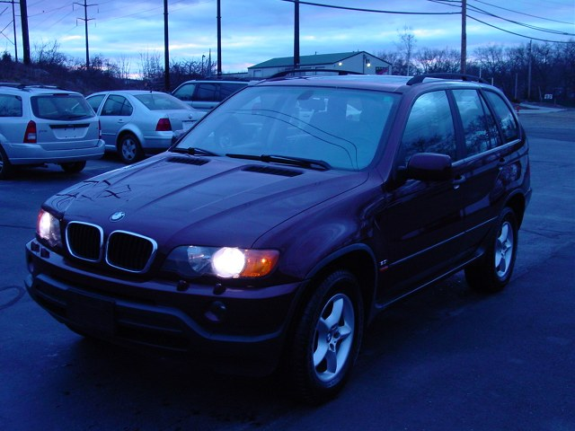 Used 01 BMW X5 in Shrewsbury, Massachusetts