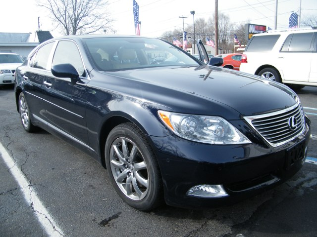 2009 Lexus LS 460 4dr Sdn AWD, available for sale in Huntington, NY
