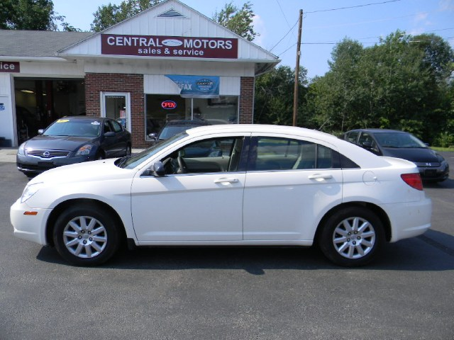 Used 2010 Chrysler Sebring in Southborough, Massachusetts