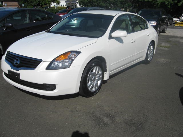 Used 2009 Nissan Altima in Ridgefield, Connecticut