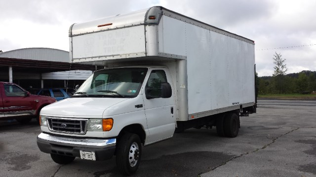 "Used Ford Econoline Commercial Cutaway E-450 Super Duty 158"" WB DRW 2005"