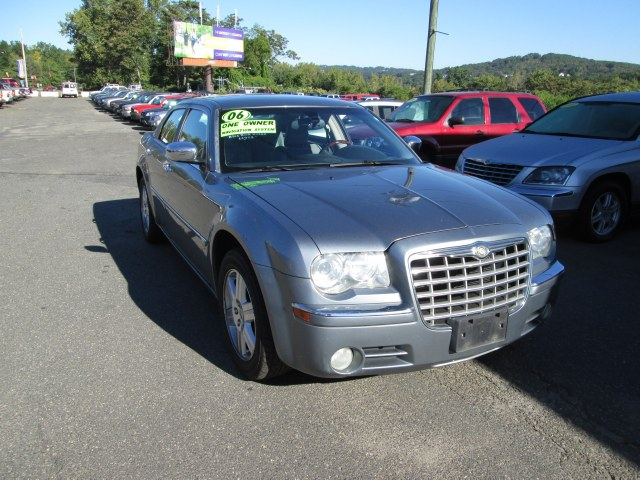 Used 2006 Chrysler 300 in Waterbury, Connecticut