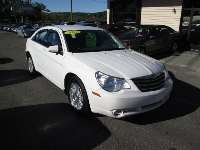 Used 2007 Chrysler Sebring Sdn in Waterbury, Connecticut
