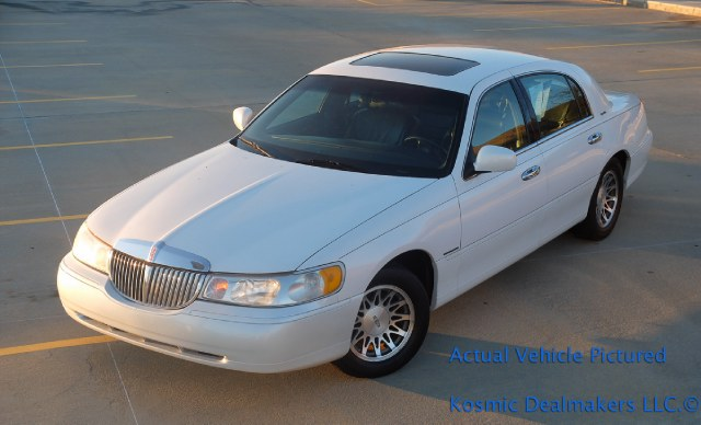 Used Lincoln Town Car 4dr Sdn Signature 1998