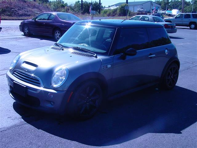 Used 2002 MINI Cooper Hardtop in Shrewsbury, Massachusetts