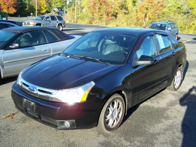 Used Ford Focus 4dr Sdn SES 2009