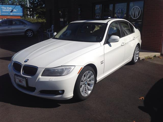 Used BMW 3 Series 4dr Sdn 328i xDrive AWD 2011
