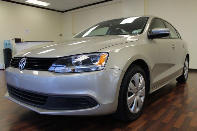 Used Volkswagen Jetta Sedan SE 2012