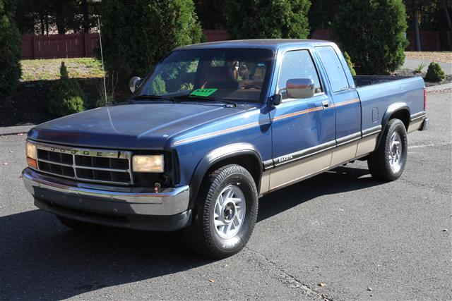 "Used Dodge Dakota Club Cab 131"" WB 1992"