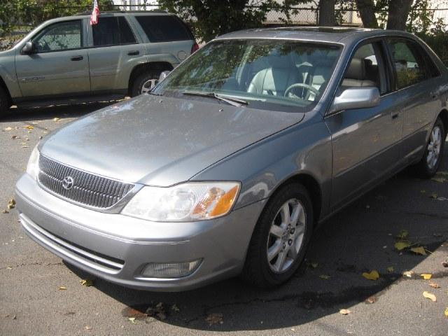 Used Toyota Avalon 4dr Sdn XLS w/Bench Seat 2001