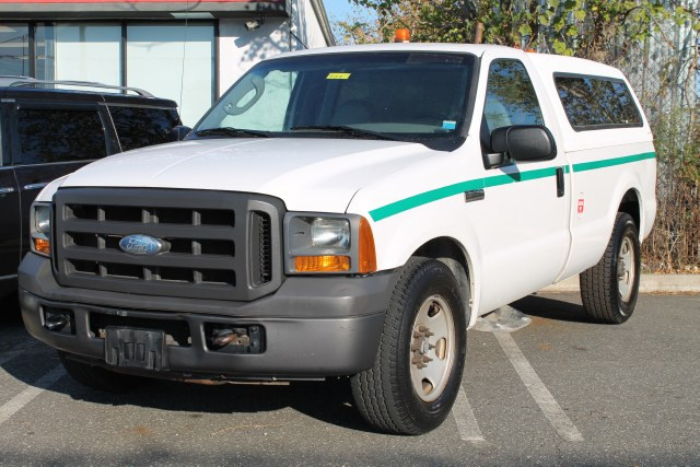 "Used Ford Super Duty F-350 SRW Reg Cab 137"" XL 2005"