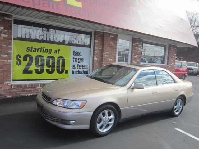 Used 2000 Lexus ES 300 in Naugatuck, Connecticut