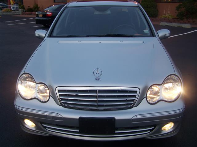 Used Mercedes-Benz C-Class 4dr Luxury Sdn 3.0L 4MATIC 2006