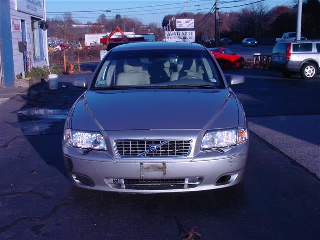 Used 2004 Volvo S80 in Shrewsbury, Massachusetts