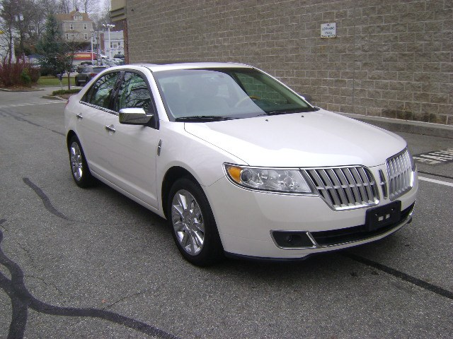 Used Lincoln MKZ 4dr Sdn AWD 2010