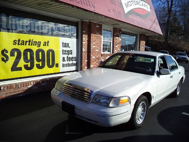 Used 2000 Ford Crown Victoria in Naugatuck, Connecticut