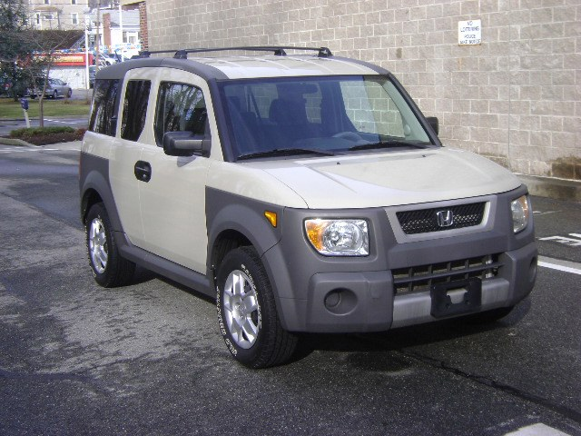 Used Honda Element 4WD LX 2005