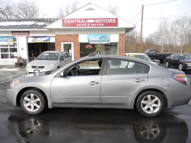 Used 2008 Nissan Altima in Southborough, Massachusetts